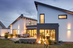 Farmhouse Exterior Design Ideas - When exploring various farmhouse exterior ideas, it is necessary to remember there are different stages with a residence exterior transformation. Farmhouse Exterior Colors, Modern Exterior, Farmhouse Design, Exterior Design, Casas Containers, House Roof, House Goals, Future House, New Homes