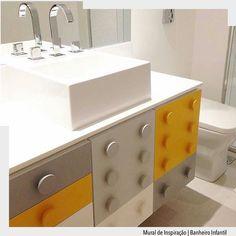 Lindo lúdico colorido e infantil é a proposta deste armário de banheiro lembrando o lego. Amamos a paleta de cores mas quem preferir mais colorido é só usar as cores primeiras. A bancada branca neutraliza e destaca o armário. Vamos fazer??? Arquiteturade http://ift.tt/1U7uuvq arqdecoracao arqdecoracao @arquiteturadecoracao @acstudio.arquitetura #arquiteturadecoracao #adbanheiro #banheiro #banheiroinfantil #lego #olioliteam #canalolioli