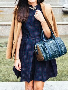 OutFit Ideas - Women look, Fashion and Style Ideas and Inspiration, Dress and Skirt Look Preppy Mode, Preppy Style, My Style, Rock Style, Classy Girl, Winter Stil, Girls Wear, Lady, Latest Fashion Trends