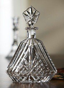 $32.00-$73.98 Add elegance to your table and luxury to your home with this crystal decanter from Fifth Avenue Crystal, Diamond Collection.