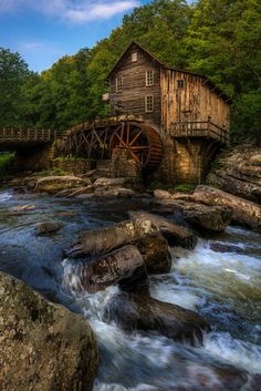 """Glade Creek Grist Mill, by josephheh """" Glade Creek Grist Mill in Babcock State Park, West Virginia. Beautiful World, Beautiful Places, Imagen Natural, Old Grist Mill, Photo Voyage, Water Powers, Country Barns, Country Life, Water Mill"""