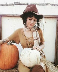 Likes, 353 Comments - McKenna Kaelin Simply Kenna Outfits, Autumn Inspiration, Style Inspiration, Vintage Bangs, Fall Outfits, Cute Outfits, Boho Fashion, Fashion Outfits, Autumn Aesthetic