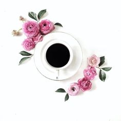 Many people assume that it is easy to make a pot of coffee. Coffee is actually. Coffee Wine, Coffee Art, Coffee Drinks, Coffee Shop, Coffee Cups, Coffee Flower, Flower Tea, Flat Lay Photography, Coffee Photography