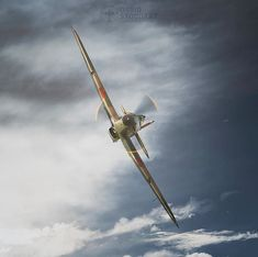 Fighter Aircraft, Fighter Jets, Hawker Hurricane, Ww2 History, Aircraft Photos, Ww2 Planes, Battle Of Britain, Aviation Art, Air Show