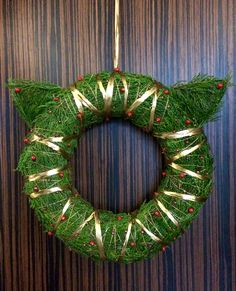 my christmas cat wreath 😺  #cat #diy #christmaswreath
