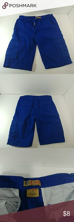 LR Scoop Boys Modern Fit Shorts Blue boys shorts pre-owned, in good condition. Bottoms Shorts
