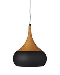 Snygg och stilren pendel i antingen 20 eller 30 cm omkrets. Den finns i färgerna teak eller svart, och passar fint i hemmet. Ljuskälla ingår ej.