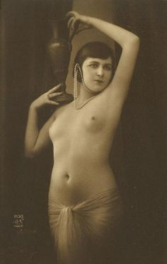 Photography earliest nude