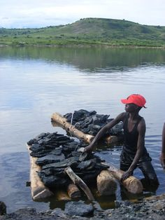 Harvesting salt in Lake Katwe - and I complain about my job sometimes?