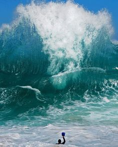 Clark Little Photography - Hawaii - Shorebreak