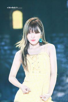 Kpop Girl Groups, Korean Girl Groups, Kpop Girls, Seulgi, Asian Woman, Asian Girl, Blue Orange, Yellow, Wendy Red Velvet