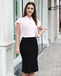 Forever in Style - Beauty and Fashion through the centuries Classy Work Outfits, Casual Outfits, Cute Outfits, Classy Clothes, Business Fashion, Office Fashion, Business Casual Attire, Sweaters And Jeans, Dress And Heels