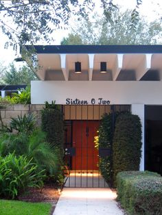 Mid-century Modern: Ellison House, Winter Haven, FL.  Gene Leedy, Architect.