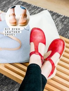 A round up of 20 modern DIY dye project ideas and tips and tricks for how to dye pretty much anything. Lots of DIY dye inspiration to get you started on your first dye DIY. Leather Dye, Leather Shoes, Leather Craft, Vegan Leather, Diy Clothing, Sewing Clothes, Old Shoes, How To Make Shoes, Refashion