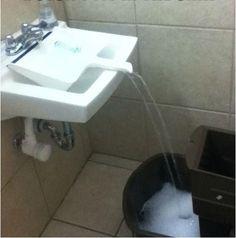 FYlla hinkar med vatten