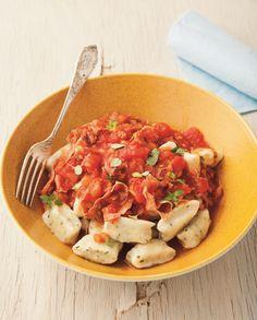Gnocci twarogowe z sosem pomidorowym i suszoną wieprzowiną #intermarche #inspiracje #gnocci
