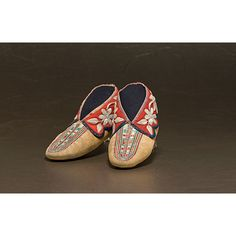 Iroquois Beaded and Quilled Moccasins, late 19th cent.
