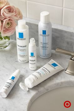 Look no further than La Roche-Posay for soothing, premium skin care without fragrances, parabens or preser… Organic Skin Care, Natural Skin Care, Haut Routine, Nuxe, Roche Posay, Best Skincare Products, Beauty Products, Sensitive Skin Care, Healthy Skin Care