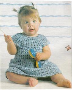 Robe fillette de 9 mois et sa grille gratuite !