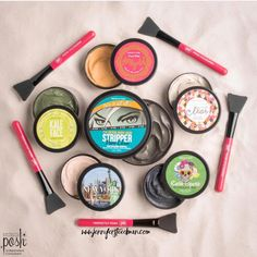 Detox, deep clean, hydrate, brighten, illuminate, and positively glow with this Posh assortment! Have your friends over for a mask mixer - or try them all yourself! Your party pack of pampering includes 5 of our favorite face masks, plus FREE bonus gifts all for $89. Hurry limited quantities available! Shop from the link in my bio or text MASK MANIA to 954-324-3765 for more info