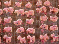 """Animal Crackers (Special Day: Picnic) - """"The Pioneer Woman"""", Ree Drummond on the Food Network."""