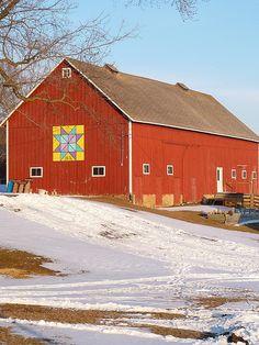 Quilt on Iowa Barn