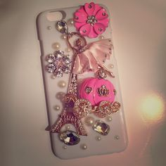 3D iPhone 6 Cell Phone Case Brand new, 3D cell phone case for iPhone 6!! Beautiful details with gold, crystal and pearl accents. Accessories Phone Cases