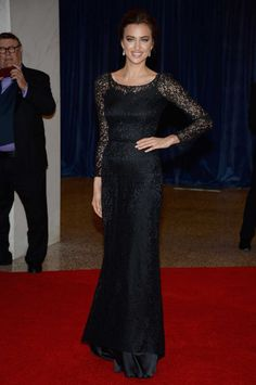 Irina Shayk Evening Dress - Irina Shayk chose a fitted lace gown with sheer long sleeves for her classy look at the White House Correspondents' Association Dinner. Irina Shayk Style, Irina Shayk Photos, Black Lace Gown, Dress Black, White House Correspondents Dinner, Evening Dresses, Formal Dresses, Red Carpet Looks, How To Look Classy