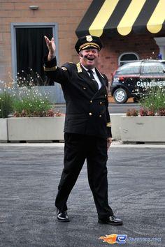 108/221 | Photo du stunt show, Scuola di Polizia situé à Mirabilandia (Italie). Plus d'information sur notre site http://www.e-coasters.com !! Tous les meilleurs Parcs d'Attractions sur un seul site web !! Découvrez également nos vidéos du show à ces adresses : http://youtu.be/DB4UCC9a3J0 & http://youtu.be/4F9wptkq8Uc