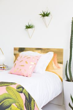 Sharing how to make this DIY diy faux brass headboard on Sugar & Cloth! - houston blogger - home decor  | Pinterest: Natalia Escaño