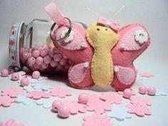 Lindo chaveiro de borboleta em feltro na cor rosa, ideal para dar de lembrancinha no seu chá de bebê ou panela R$ 10,00