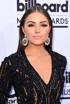 Smolder like Olivia Culpo with bronze smoky eye shadow and a nude lip. // Celebrity Hair and Makeup at Billboard Music Awards 2015 Celebrity Hairstyles, Cool Hairstyles, Olivia Culpo Hair, Billboard Music Awards 2015, Bridal Makeup Looks, Bridal Beauty, Wedding Makeup, Makeup Goals, Makeup Inspo