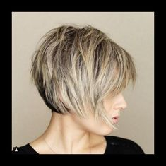 Great all over shape and layering. Messy Short Layered Haircuts with Bangs Great all over shape and layering. Messy Short Layered Haircuts with Bangs Short Bob Hairstyles, Short Hairstyles For Women, Hairstyles Haircuts, Cool Hairstyles, 2018 Haircuts, Woman Hairstyles, Halloween Hairstyles, Hairstyle Short, Medium Hairstyles