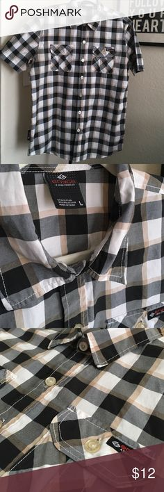 Enyce plaid button down Men's black, gray and tan plaid button down shirt. 55% cotton 45% polyester. There are two small black marks on lower front right of shirt, see last photo enyce Shirts