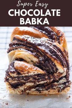 How to make Chocolate Babka - Rich buttery Jewish sweet bread with swirls of dark chocolate. Babka Cake, Babka Bread, Brioche Bread, Fun Baking Recipes, Sweet Recipes, Dessert Recipes, Cooking Recipes, Apple Recipes, Jewish Desserts