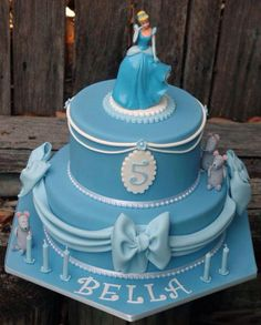 Cinderella Rapunzel Birthday Party, Cinderella Party, Cinderella Birthday Cakes, Princess Birthday, Birthday Cakes For Men, Birthday Ideas, 5th Birthday, Happy Birthday, 2 Tier Cake