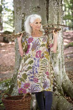 Gudrun Sjödéns Sommerkollektion 2014 - Das bequeme Oversize-Kleid Woodland mit seinem ausgefallenen Schnitt macht Lust auf einen geruhsamen Waldspaziergang.