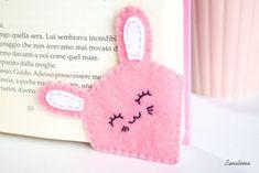 ♥ Handmade felt bunny bookmark To all who still like to read paper … - Fabric Crafts Felt Crafts Diy, Felt Diy, Handmade Felt, Diy Arts And Crafts, Cute Crafts, Handmade Crafts, Fabric Crafts, Sewing Crafts, Handmade Items