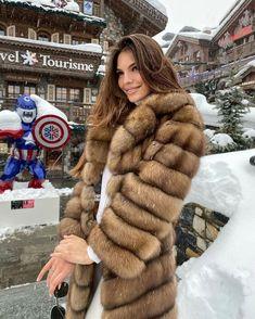 Fashion Looks, Fur Fashion, Winter Fashion, Ootd Fashion, Suits For Women, Sexy Women, Women Wear, Hollister, Sable Fur Coat