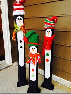 Building DIY Outdoor Christmas Decor the usage of power tools and a huge workspace. Keep in mind, if Christmas Wood Crafts, Outdoor Christmas Decorations, Christmas Signs, Christmas Art, Christmas Projects, Winter Christmas, Holiday Crafts, Christmas Ornaments, Craft Decorations