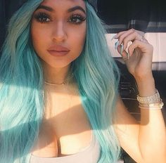 Dreamy blue hair. The youngest of the Kardashian sisters, and one of the hottest celebrities on the planet, Kylie Jenner. Look out Kim. Thanks to her fame and selfies, Kylie has a  loyal Instagram following of 50 million. She never fails to provide us with cute outfits, dope style and fashion, amazing Make Up tips. We love Kylie Jenner. Beautiful body, stylish clothes, gorgeous girl.