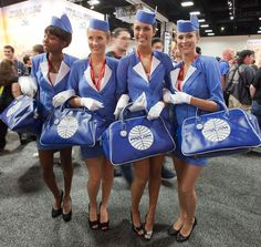 pan-am-girls-at-comic-con-with-bags.jpg 640×605 pixels