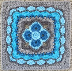 """Ravelry: The Darkness Held at Bay 10"""" and 12"""" Block by Shan Sevcik...free pattern! ✿⊱╮Teresa Restegui http://www.pinterest.com/teretegui/✿⊱╮"""