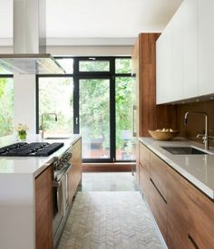 Modern Kitchen Interior 190 Exciting and Inspiring Modern Contemporary Kitchens Large Kitchen Furniture, Contemporary Kitchen Cabinets, Contemporary Kitchen Design, Home Decor Kitchen, Rustic Kitchen, Modern Contemporary, Kitchen Ideas, Kitchen Grey, Contemporary Bedroom