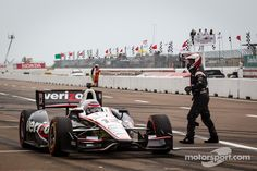 Power's pit stop at St. Pete