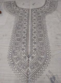 ideas painting fabric dress patterns for 2019 Border Embroidery Designs, Kurti Embroidery Design, Floral Embroidery Patterns, Embroidery Motifs, Machine Embroidery Patterns, Embroidery Fashion, Ribbon Embroidery, Pattern Design Drawing, Flower Pattern Design