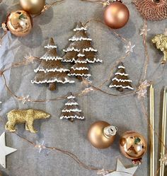 F E S T I V E  F L A V O U R S //  It's all about the gingerbread!   #christmasmaking #christmasbaking #foodiegifts   #christmas #christmasworkshop #christmascakeclass #festiveclasses #festivecakeclass #gingerbreaddecorating #gingerbread #christmasdecor #christmaslights #festive #christmasparty #christmasornaments #finecitycakes #finecitybakes #sugarbuttonscakes #sugarbuttonsclasses  #festivefun #norwich #buttercreamcake #bakingclass #paintedbuttcream #cakedecorating #cakeart #cakedesign… Christmas Lights, Christmas Decorations, Christmas Ornaments, Holiday Decor, Baking Classes, Buttercream Cake, Christmas Baking, Cake Art, Gingerbread