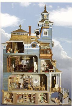 There's a Moomin Museum? Moomin House Built by Pentti Eskola, Tuulikki Pietilä and Tove Jansson. Moomin Museum in Tampere, Finland Vitrine Miniature, Miniature Rooms, Miniature Houses, Dollhouse Dolls, Dollhouse Miniatures, Victorian Dollhouse, Moomin House, Tove Jansson, Fairy Houses