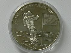 Liberia 2000, 5 Dollar Silver coin, the first male on the moon, silver, weight 27 g, diameter: 40 mm. In coin capsule.    Dealer  Leininger Auktionshaus    Online Auction  0 bid(s)    Startprice:  5.00 EUR  Auction ends at 04.08.2012!