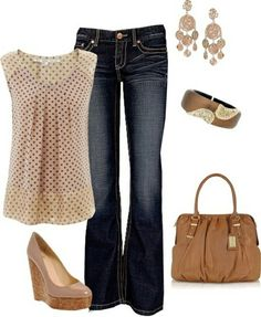 Polka dot top, jeans. Neutral colors